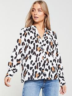 v-by-very-button-notch-neck-blouse-animal-print
