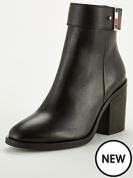 tommy-hilfiger-corporate-hardware-boot