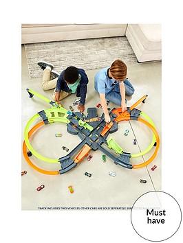 hot-wheels-colossal-crash-track-set