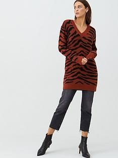 v-by-very-zebra-jacquard-longline-jumper-rust