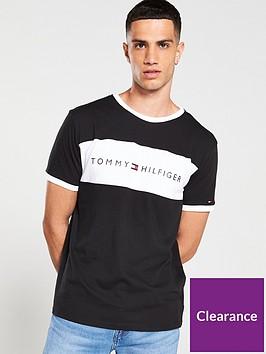 tommy-hilfiger-original-logo-flag-t-shirt-black