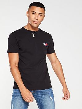 tommy-jeans-badge-t-shirt-black