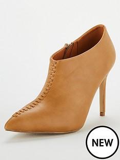 wallis-prince-ankle-boot