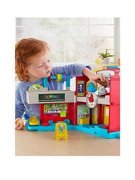 fisher-price-little-people-friendly-schoolhouse
