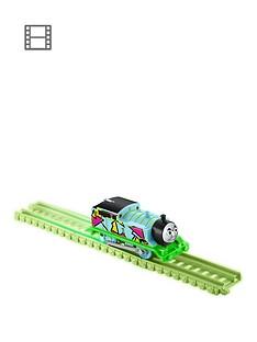 thomas-friends-hyper-glow-trackmaster-engine-thomas