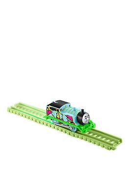 thomas-friends-thomas-friends-hyper-glow-trackmaster-engine-thomas