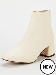 miss-kg-jen-back-zip-block-heel-boot