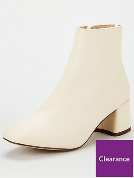 miss-kg-jen-back-zip-block-heel-boot