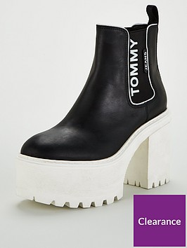 tommy-jeans-chelsea-cleated-heeled-boots-black