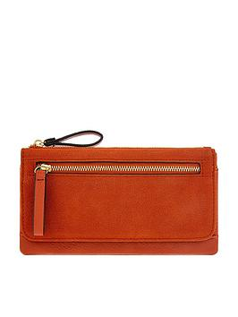 accessorize-appleton-wallet-rust