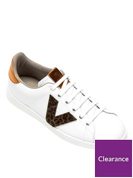 victoria-v-trainer-with-gold-heel-tab-white