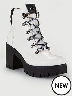 steve-madden-hallow-ankle-boots-white