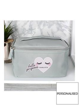 personalised-eyelashes-travel-make-up-bag