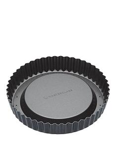 masterclass-non-stick-raised-fluted-sponge-flan-tin-with-loose-base