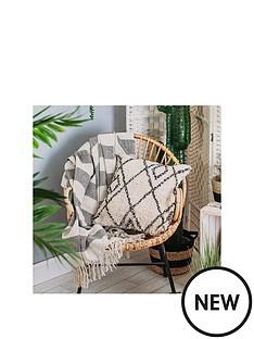 sass-belle-arizona-diamond-cushion