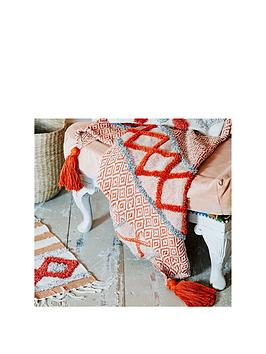 sass-belle-arizona-geo-blanket-throw