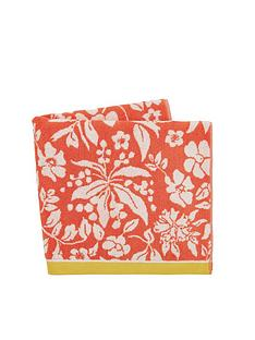 joules-orchard-ditsy-beach-towel