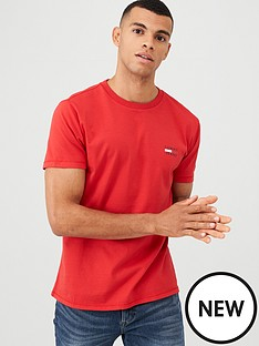 tommy-jeans-chest-logo-t-shirt-red