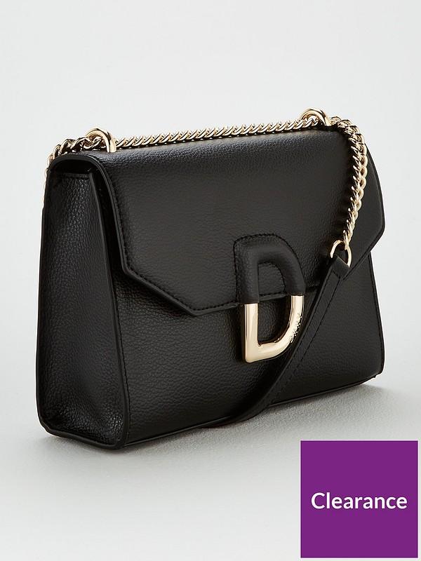 Von Flap Shoulder Bag Black