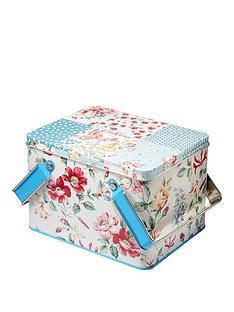 cath-kidston-cottage-patchwork-pamper-picnic-tin-bath-body-set