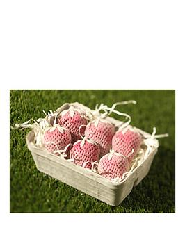 choc-on-choc-strawberry-mini-chocolate-hamper