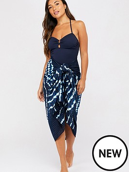 accessorize-tie-dye-sarong