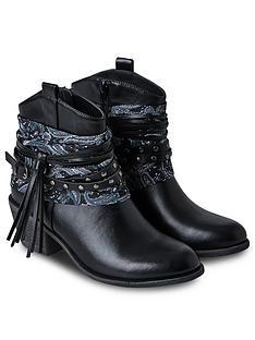 joe-browns-downtown-detroit-boots