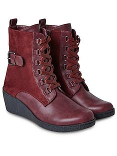 joe-browns-wilderness-wedge-boots