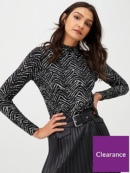 warehouse-abstract-striped-top-black