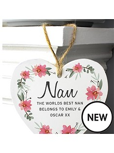 personalised-wooden-heart-sign-dropdown-for-nan-mum-sister-etc