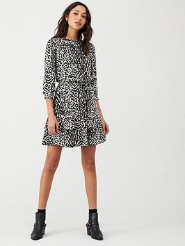 Oasis Oasis Agate Animal Tiered Hem Dress - Mono Picture
