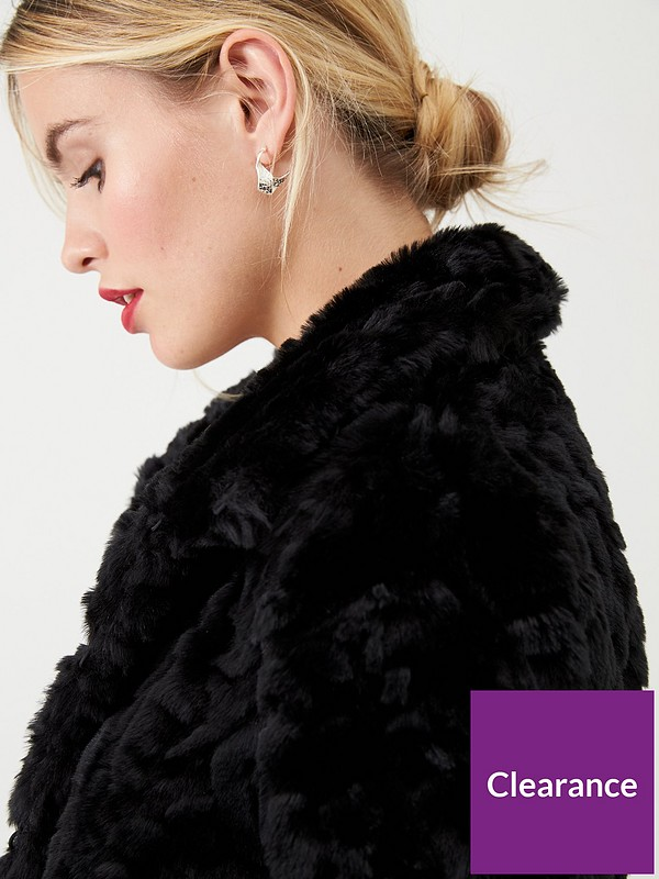 Black Short Textured Faux Fur Coat from Wallis on 21 Buttons