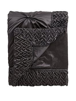 Very Mia Bedspread Throw