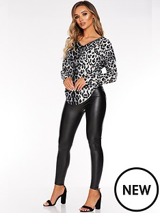 quiz-knitted-leopard-long-sleeve-diamante-zip-detail-top-grey