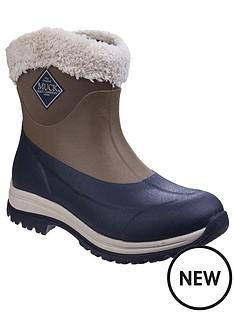 muck-boots-arctic-apregraves-short-wellington-boots-otternavy