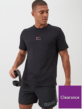nike-central-swoosh-training-t-shirt-blackred