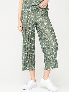 v-by-very-plisse-co-ord-culottes-khaki-print