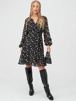 Wallis Wallis Ditzy Dobby Floral Fit &Amp; Flare Dress - Black Picture
