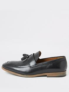 river-island-black-leather-textured-tassel-loafers