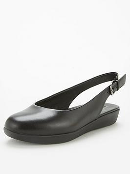 FitFlop Fitflop Sarita Slingback Leather Ballerina - Black Picture