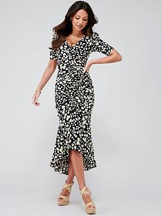 michelle-keegan-ruched-front-fitted-midi-dress-daisy-print