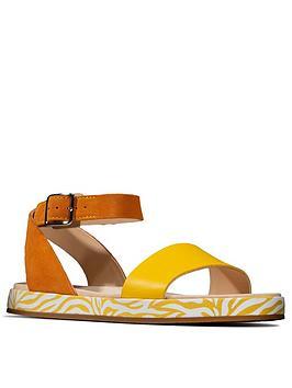 clarks-botanic-ivy-flat-sandal-yellow