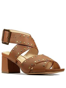 Clarks Clarks Sheer55 Buckle Leather Block Heel Sandal - Tan Picture
