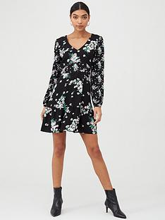 oasis-dandelion-patched-v-neck-skater-dress-black
