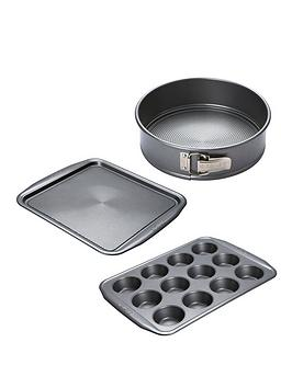Product photograph showing Circulon Momentum 3-piece Cake Baking Set