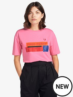 fred-perry-graphic-print-t-shirt-pink