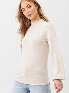 v-by-very-pearl-detail-balloon-sleeve-snit-top-ecru