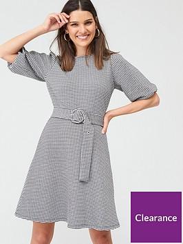 warehouse-gingham-puff-sleeve-dress-mono