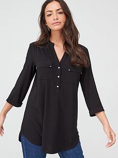 wallis-ity-shirt-black