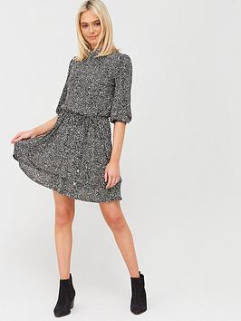 Oasis Oasis Texture Print Chiffon Plisse Skater Dress - Black Picture